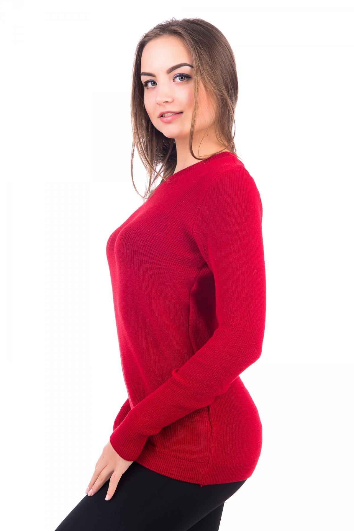 Красный вязаный джемпер
