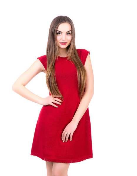 Красное весеннее платье